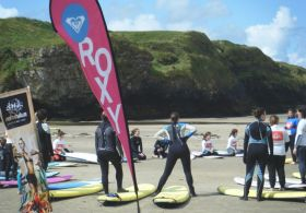 Surfschool Training am Strand in Donegal.JPG